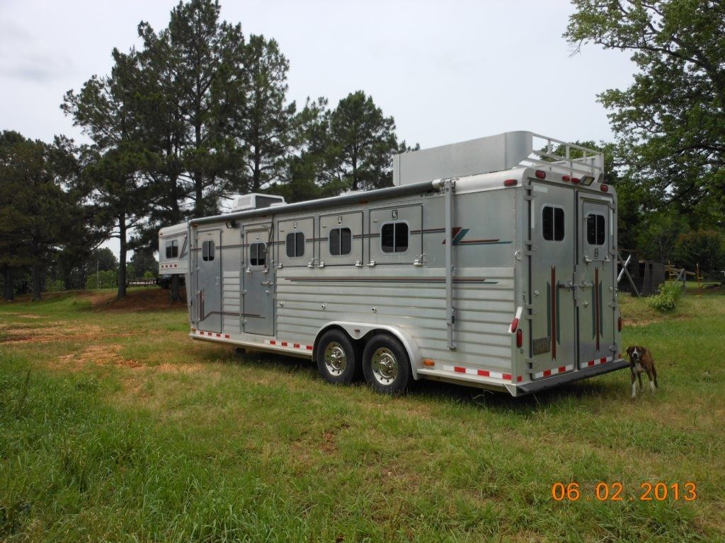 2001 4 Star 4 Horse Slant Extra Large Dressing Room